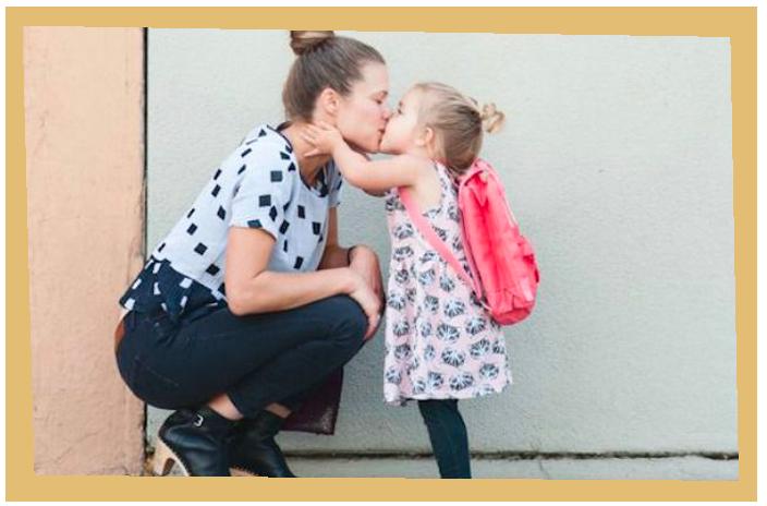 salutare-la-mamma-prima-di-scuola